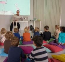 """Kinderbuch-Lesung """"Die Affenagentur"""" Stadtbibliothek Stuttgart"""